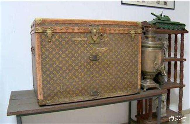 LV行李箱装鸡饲料 130年祖传价值或达10万美元