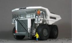 世界上最大车利勃海尔t282b 空车重230吨