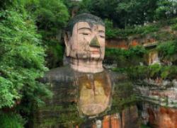 中国最大的佛像 耗费了大概90年的时间才建好