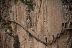 盘点全世界悬崖步道排行榜,中国三处上榜,每一个都十分惊险!
